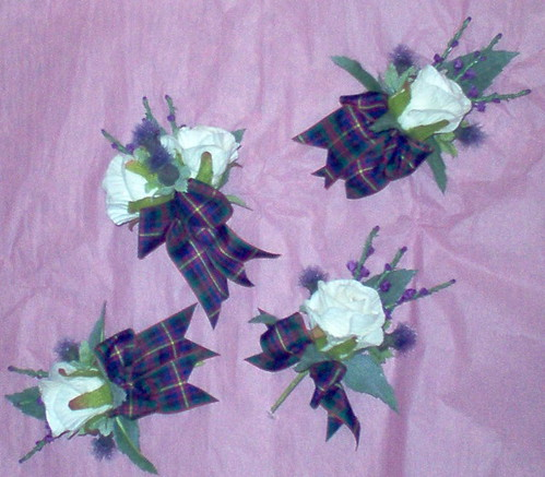 """ brendon""  grooms double and 3 guests buttonholes by you."