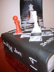 Breaking 14 Twilight cake (frostmesweet) Tags: cake dawn book twilight chess breaking