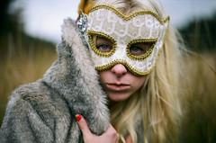 (.. glory fades) Tags: field canon fur highway mask kodak coat t90 portra ortega 400nc autaut