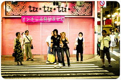 Kyoto memories XIII (manganite) Tags: street city pink girls people urban hot streets color men beautiful fashion japan night digital geotagged asian japanese lights cool nikon kyoto couple colorful asia crossing nightshot traffic tl framed candid young style guys streetscene babes zebra  hotties onecolor nippon gion d200 nikkor dslr gals kansai girlies nihon stylish japanesegirl streetshot 50mmf18 utatafeature manganite nikonstunninggallery thecolorpink date:year=2006 geo:lat=35005033 date:month=august date:day=26 geo:lon=135759516 format:ratio=32