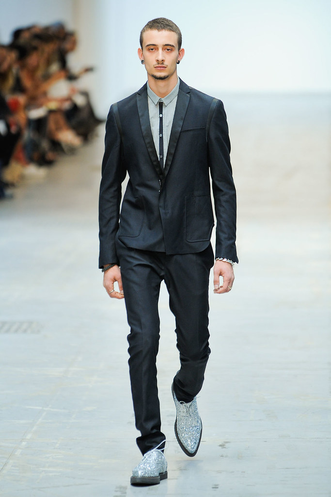 SS12 Milan Costume National Homme030(VOGUEcom)