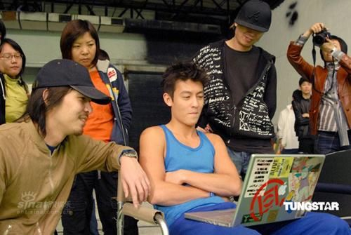 edison chen show off photos