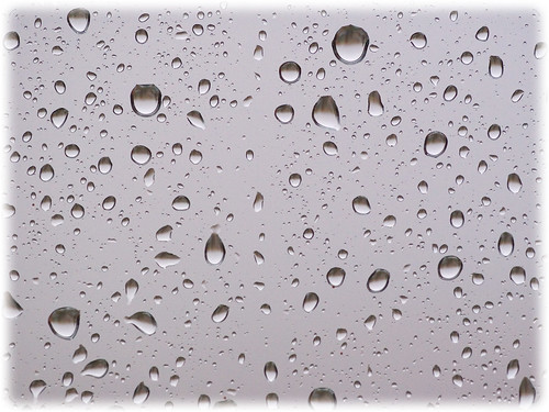Window with raindrops (free wallpaper)