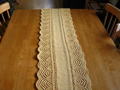 Fluid Motion Knitting Scalloped Table Runner