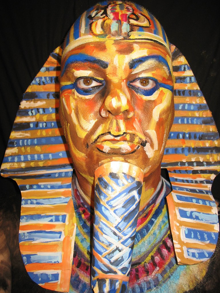 tutankamun research report Tutankhamun's golden death mask the research essay is an original essay where the student poses a research question, gathers materials, focuses the research, shapes the argument, and frames the material in relation to the larger themes developed in the course.