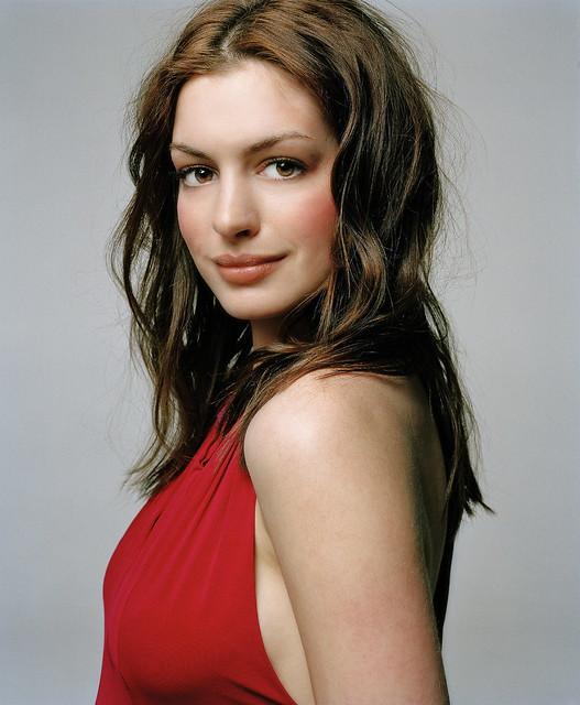 Anne Hathaway by PINKBALOO | f a m o s o s·s e r i e s·c i n e