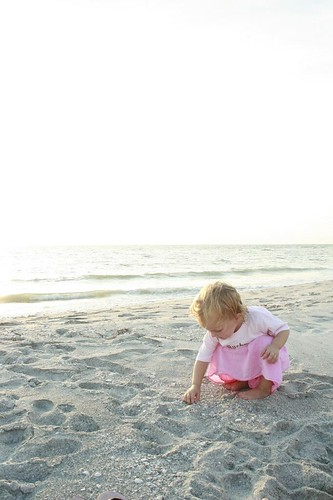 she sees seashells