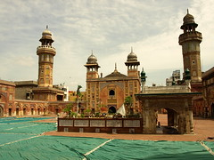Wazir Khan Mosque (Faisal.Saeed) Tags: old pakistan art heritage architecture islam mosque holy khan punjab lahore masjid islamic faisal wazir minars amoleonthecheekoflahore faisalsaeed
