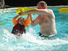 DSC02243.JPG (knoorvanwijngaarden) Tags: zwembad frankrijk noor vakantie2008