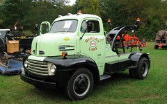 1948 Ford F5 Tow Truck (blazer8696) Tags: fall ford 1948 festival truck canon vintage is kent antique connecticut ct sharon powershot special machinery lane memory cama popular 2008 esso f5 tow coe towtruck association memorylane conn cabover fallfestival img0917 rte7 fourtires a570 t2008