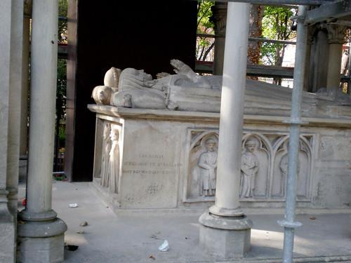 The Grave of Abélard et Héloïse