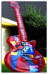 Heartbreak Hotel Guitar (elaiwill) Tags: guitar gibsonguitar elivis lonelystreet cmwdr hearabreakhotel