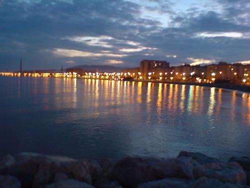 Malaga Anocheciendo