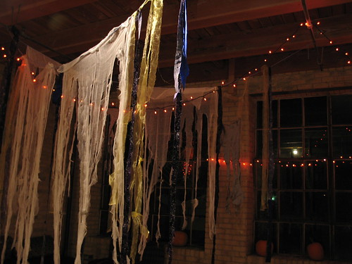 Casket Arts Halloween, Casket Arts Building, Minneapolis, Minnesota, October 2008, photo © 2008 by QuoinMonkey. All rights reserved.
