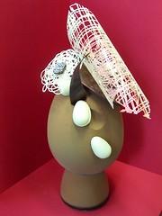 Uovo di Pasqua con tecniche di rilievo.