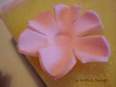Preparazione Fiore in Pasta di zucchero