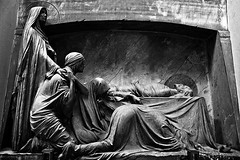 Closer (ilConte) Tags: graveyard statue genoa genova joydivision statua closer cimitero staglieno