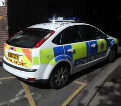 2007 Ford Focus Police Car (Stuart Axe) Tags: ford focus police policecar battenburg fordfocus essexpolice pandacar