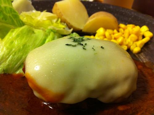 チーズとろとろハンバーグ