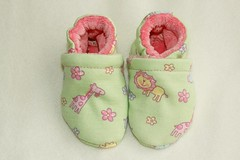 ~SALE~  *Newborn*  Pink Zoo OBV Lined Booties