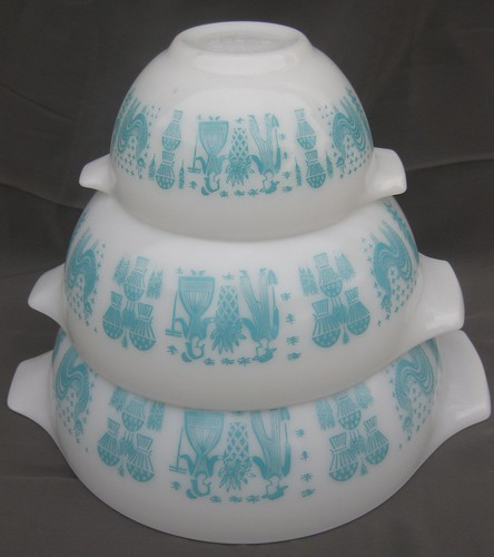 Pyrex Butterprint Cinderella bowl set