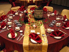 red-gold-centerpieces-table-settings-wedding-reception (tibimages) Tags: red gold weddingreception centerpieces tablesettings