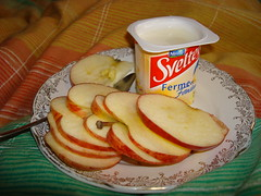 Apple slices and yogurt-3