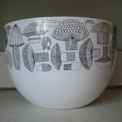 Vintage Finel White Enamelware Mushroom Bowl