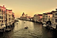Canal Grande al tramonto (valerius25) Tags: venice sunset italy sepia canon italia tramonto gondola laguna venezia italie sanmarco canale adriatico veneto accademia canalgrande 400d valerius25 valeriocaddeu anticando