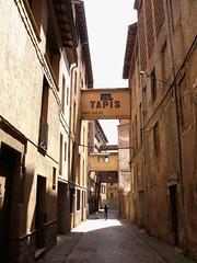 Vic (anafayza) Tags: tapis vic solitario fabricas