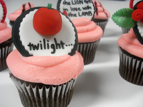 More Twilight Cupcakes - Twilight by SweetToothFairy.