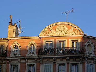 Au-dessus de la Maison Empereur ....jpg