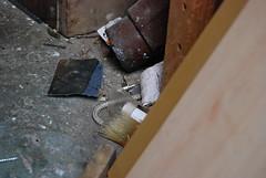 DIYO scraps / Doe-het-zelf overblijfselen (Otomodachi) Tags: diy mess shed rope brush tools disorder touw rommel handyman schuur klussen doehetzelf troep disorderly schuurtje gereedschap kwast schuurpapier klusser klusjesman