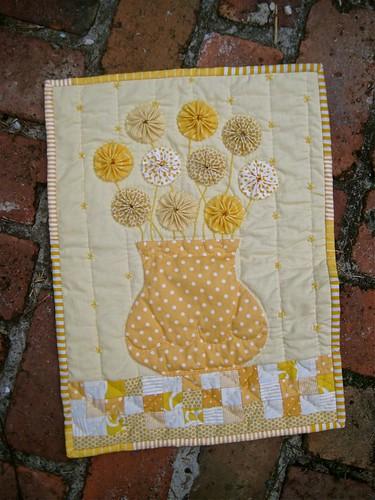 4SQS5 Monochromatic Challenge quilt