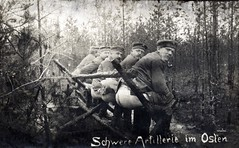 """Schwere Artillerie im Osten"" / Heavy artillery in the East (drakegoodman) Tags: postcard worldwarone ww1 greatwar firstworldwar worldwar1 latrine weltkrieg ansichtskarte ostfront germansoldiers easternfront feldpost"