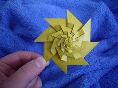 rotating star (Dasssa) Tags: origami octagon chrispalmer flowertower dasssa