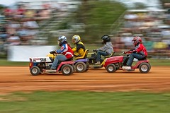 Lawnmower Racing (Alex Gilliard) Tags: motionblur 70200 dirttrack centralflorida lawnmowerracing stabil avonpark 40d uslmra alexgilliard nasgrass mowerplex