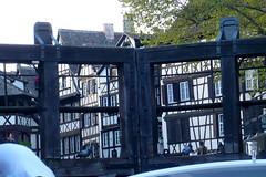 03 mai 2008 Strasbourg Promenade en bateau Passage de l'cluse (melina1965) Tags: leica brown black lumix noir may panasonic strasbourg mai alsace 2008 picturesque magicmoments brun hautrhin fx10 theworldoftravel cafeimage