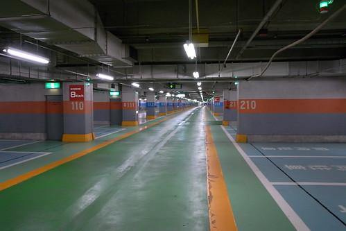 新宿サブナード駐車場1