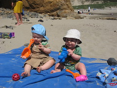 IMG_0757 (86queensgate) Tags: baby beach luke lukefoster oregonjune2008