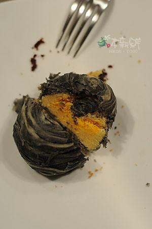 墨魚蛋黃月餅