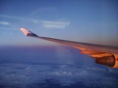 2008_08_09_084802 (mwtsai) Tags: boeing747400 華航 機翼 台北紐約航線