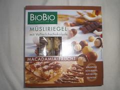 BioBio Msliriegel Macadamia Frucht (Like_the_Grand_Canyon) Tags: fruit germany chocolate cereal nuts bio german plus organic nut biobio msli riegel ko macadamienuts