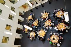 tables. (gr0uch0) Tags: travel usa philadelphia america conference amerika drexeluniversity reizen ismir ismir2008 bossonecentre