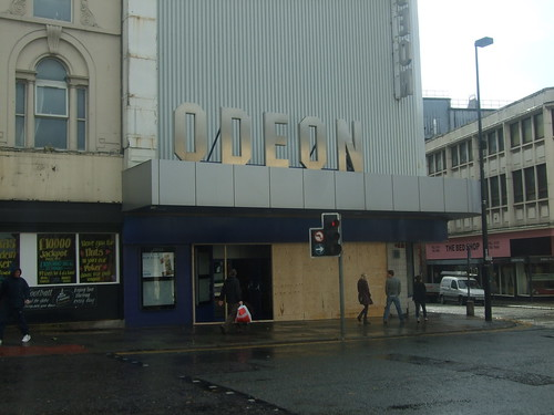 Odeon London Road closes.