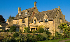A house at Chipping Campden in the English Cotswolds (Anguskirk) Tags: uk england house building stone architecture eu cotswolds gloucestershire chippingcampden dormerwindows