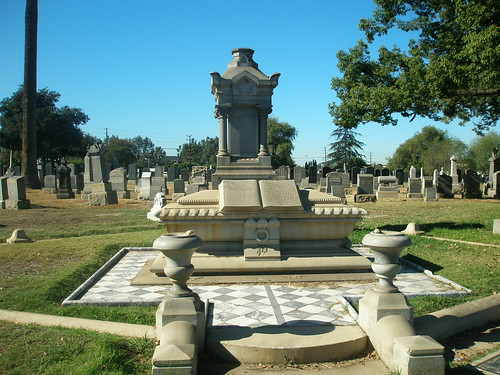 The Perrys Family Plot