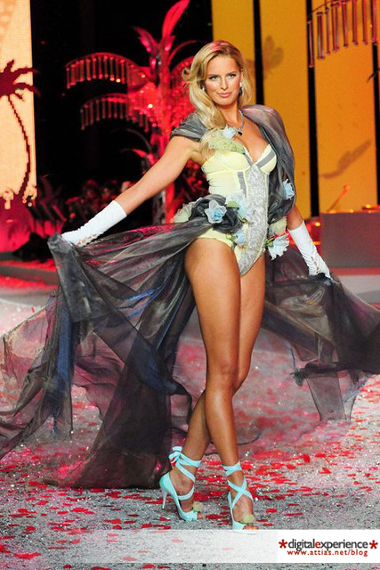Victoria's secret show 2008 by cattias.photos