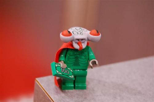Lego alien minifig flat head