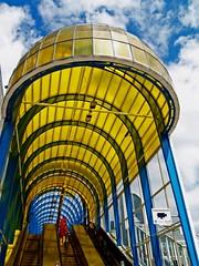 Entrance (Rob Verhoeff) Tags: bridge station geotagged olympus zoetermeer brug rokkeveen e500 zd 1445mm driemanspolder nelsonmandelabrug geo:lon=4476564 geo:lat=5204673